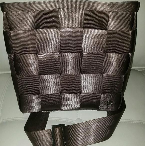 Handbags - SOLD: HARVEYS SEATBELT SHLDR CROSSBODY MSSNGR BAG